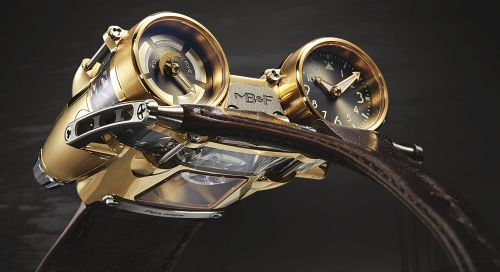 40.TSYL : MB&F Horological Machine N°4 HM4 Thunderbolt Yellow Gold