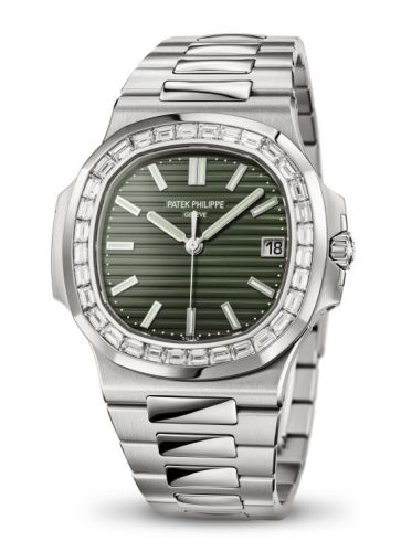 Patek Philippe 5711/1300A-001 : Nautilus 5711 Stainless Steel / Baguette Green
