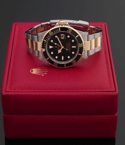 Rolex 16613 Black Superluminova : Submariner Date 16613 Black Superluminova